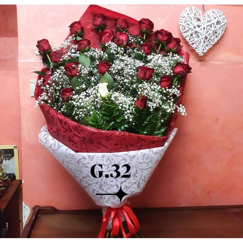 Mazzo Di Fiori X San Valentino.G32 Piante E Fiori San Valentino Fascio Di Rose Principessa