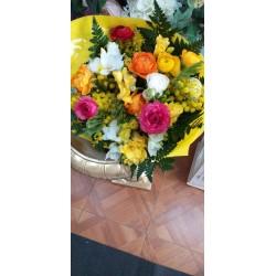 Bouquet con ranuncoli,...