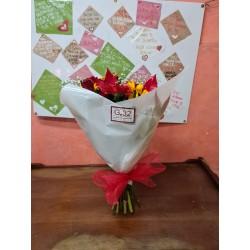 Fascio di fiori misti colorati
